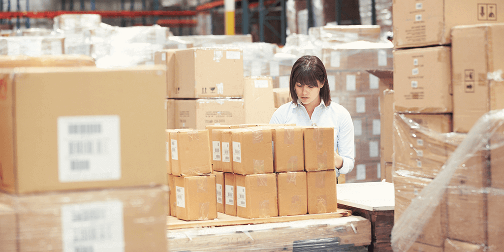 international-ecommerce-delivery-warehouse
